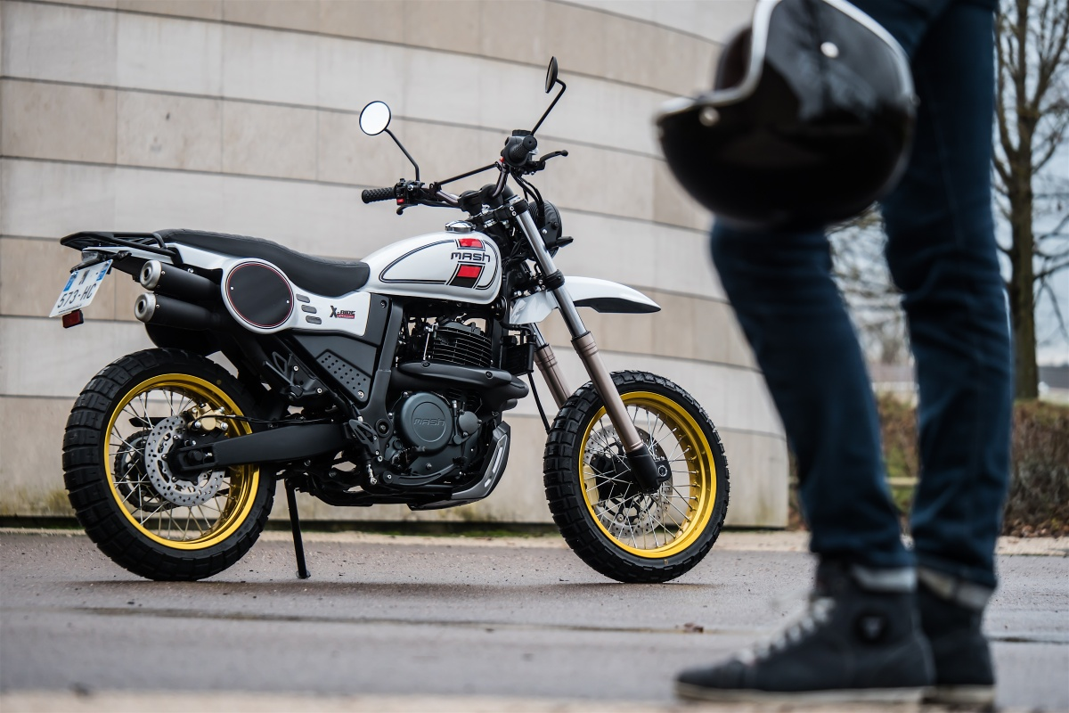 Mash Motorcycle 1